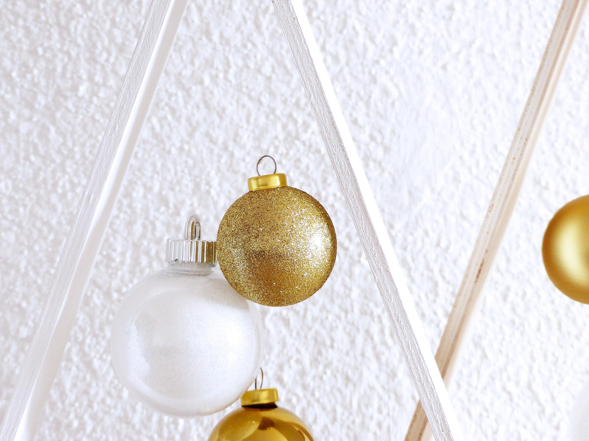 DIY Noël, sapins de Noël minimalistes en bois - Autour de Marine