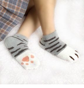 Yesstyle cat paw socks - Autour de Marine