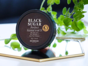 Skinfood, Black Sugar Perfect Essential Scrub - Autour de Marine